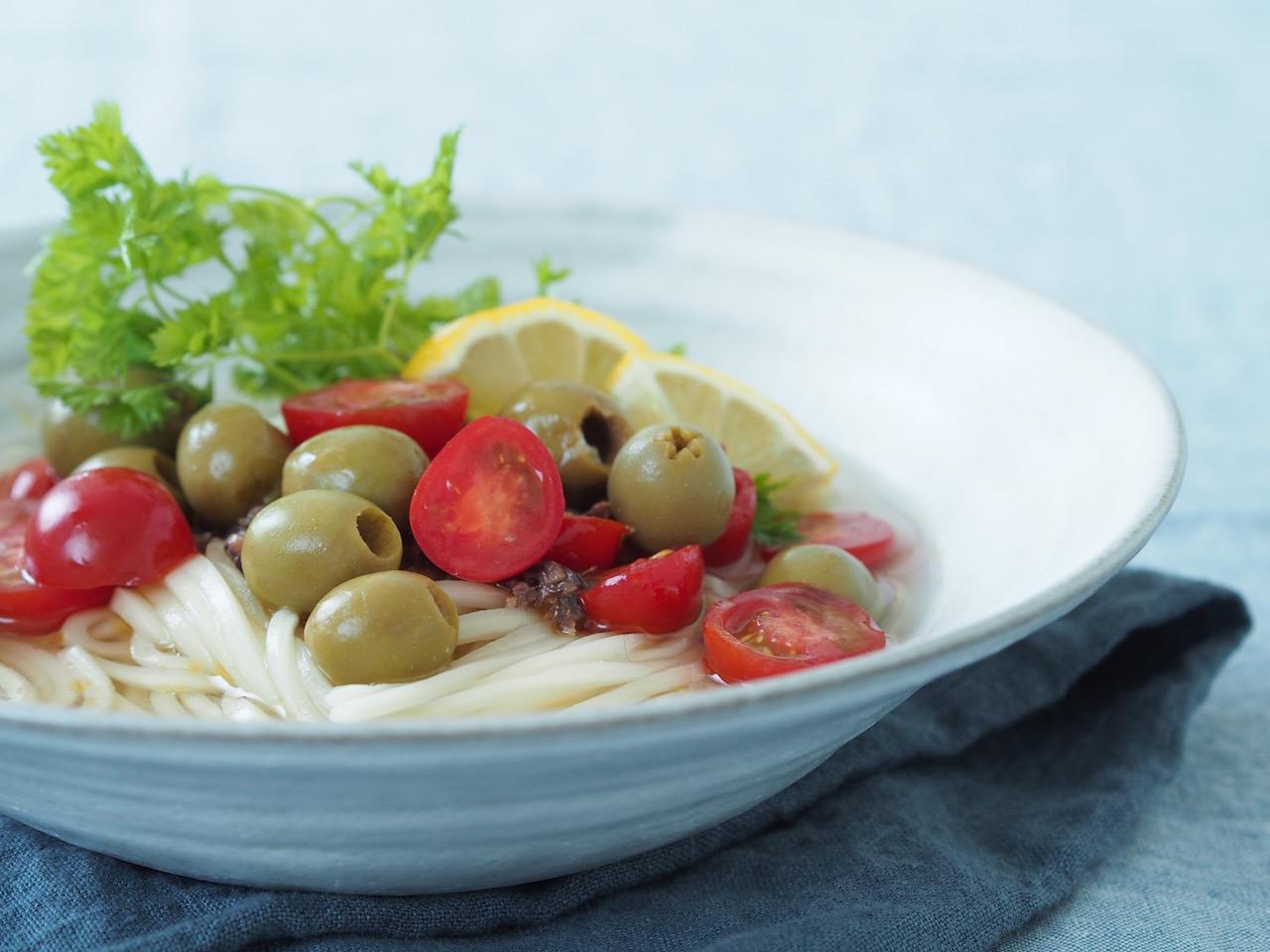 おしゃれでおいしい、イタリアンオリーブうどんレシピ