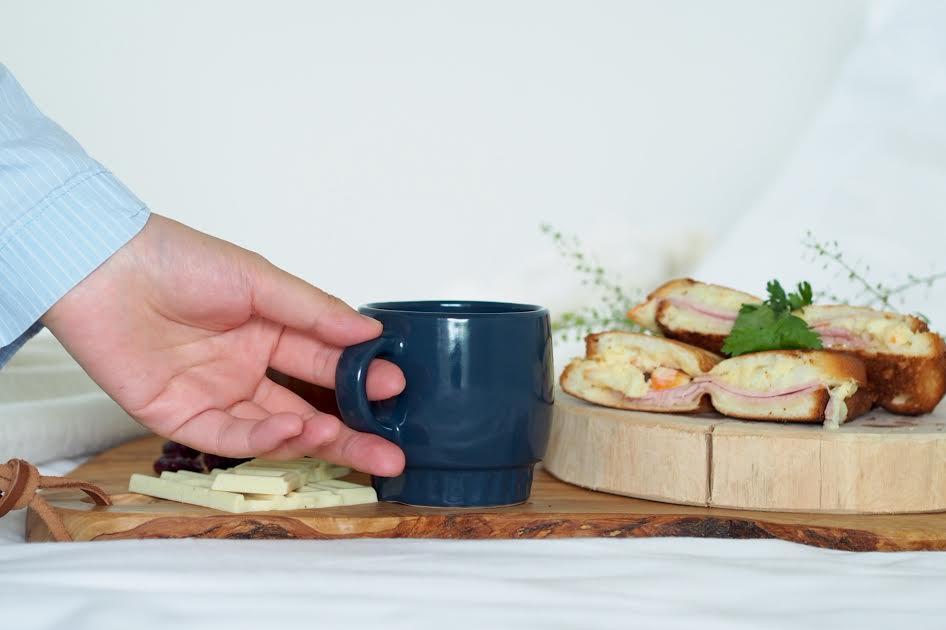 週末に試したい、ベッドで食べるおしゃれな朝ごはん