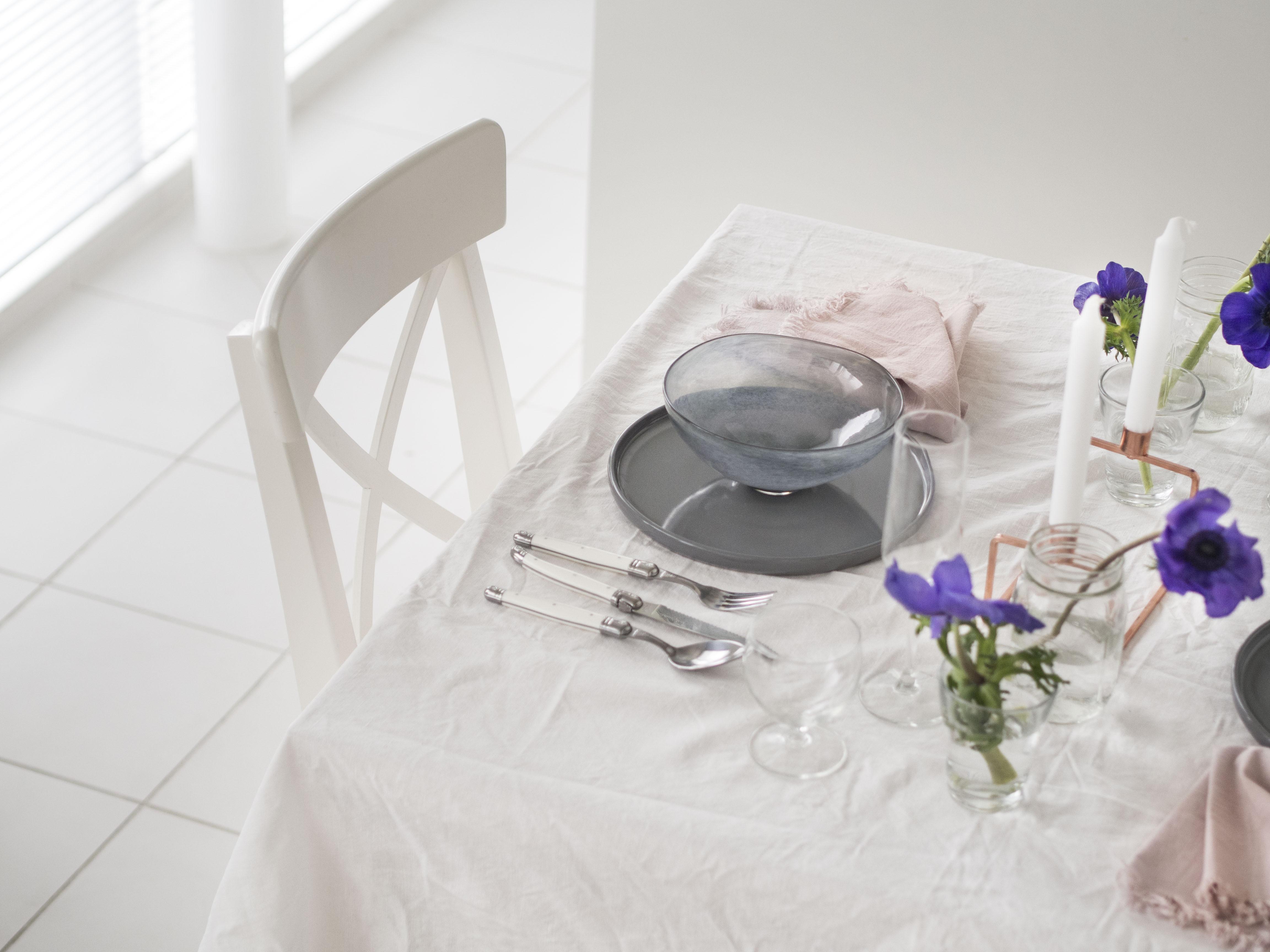 大人かわいい春のテーブルコーディネート